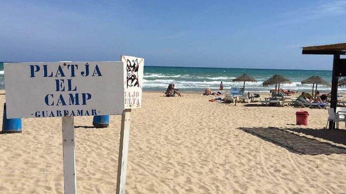 Una pareja de bañistas muere ahogada en la playa de Guardamar de Segura