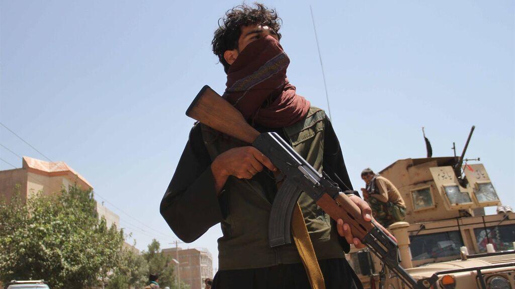 La violencia crece en Afganistán, tras la salida de las tropas de EE.UU., en una guerra perdida de antemano