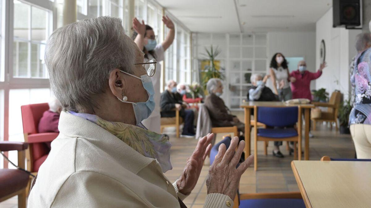 Sanidad, preocupada por los brotes en residencias: los casos están al nivel de la tercera ola