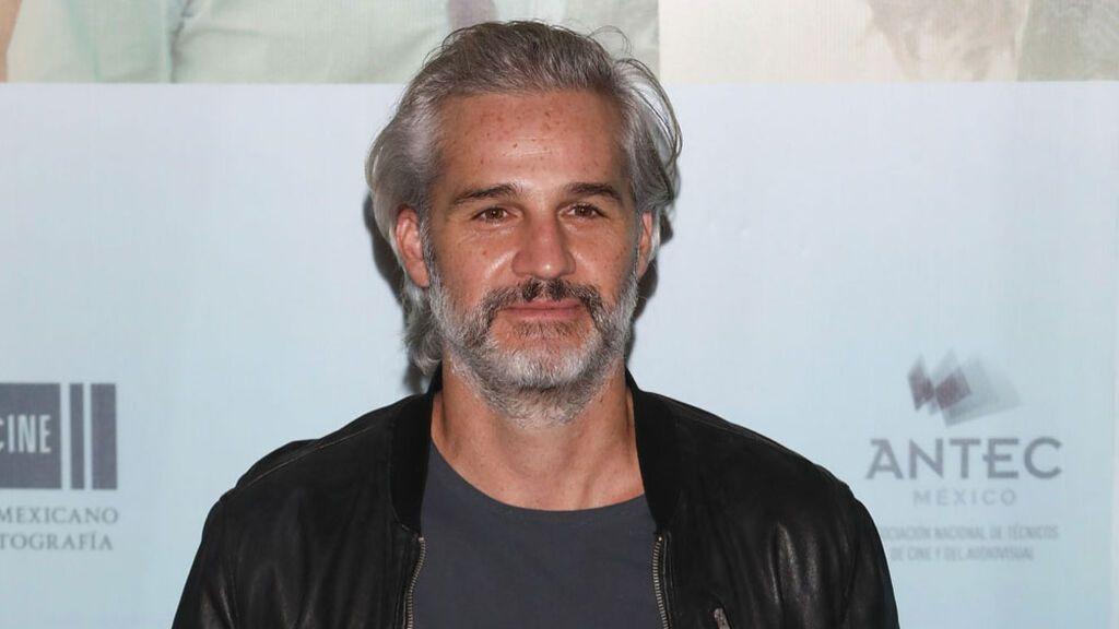 El actor Juan Pablo Medina de 'La Casa de las Flores', fuera de peligro tras sufrir una trombosis