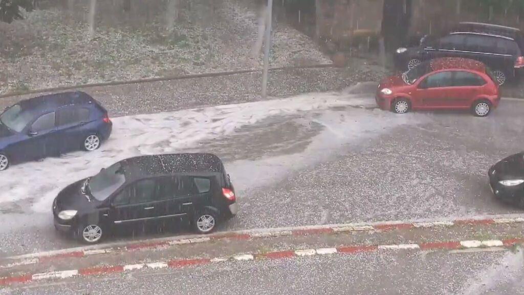 La alerta por lluvias y tormentas en Cataluña deja una fuerte granizada en Ripoll
