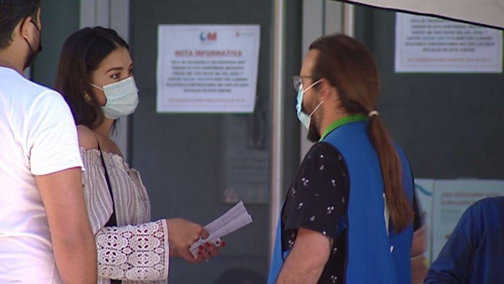 Tour de vacunación para recibir la segunda dosis a tiempo: hay quien ha llegado a recorrer hasta 11 centros