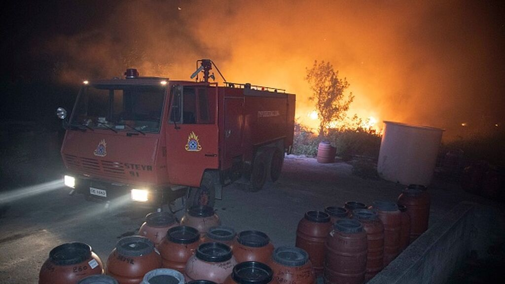 Los incendios sofocan a Italia, Grecia, Turquía y Albania
