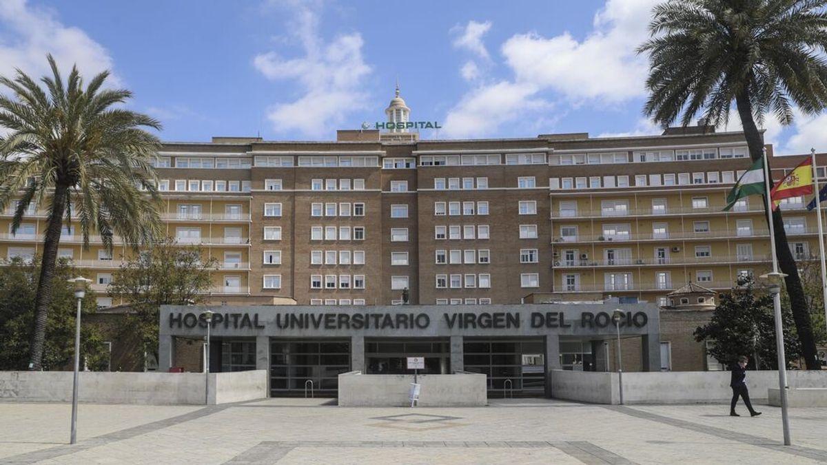 """El director del hospital Virgen del Rocío pide a las embarazadas que vayan a vacunarse incluso """"sin cita previa"""""""