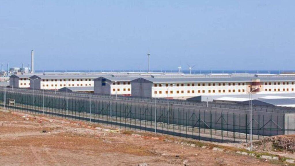 Un brote entre presos antivacunas de cárcel Las Palmas II causa 76 positivos