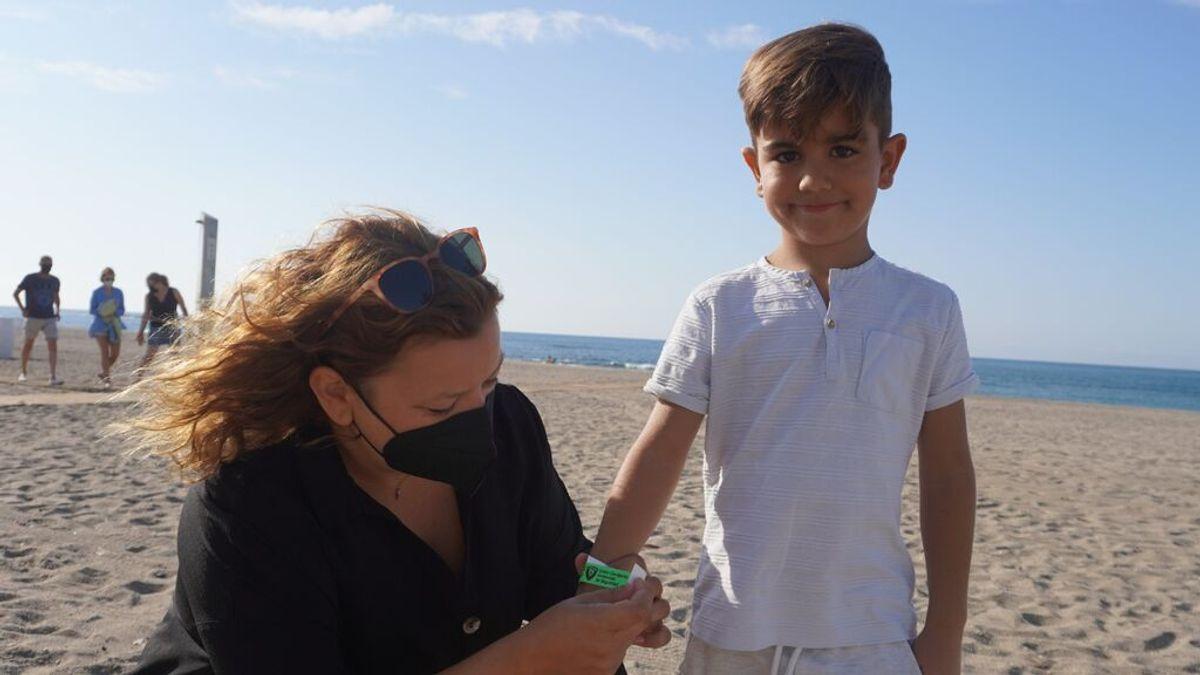 Pulseras identificativas para facilitar la localización de los niños en las playas andaluzas
