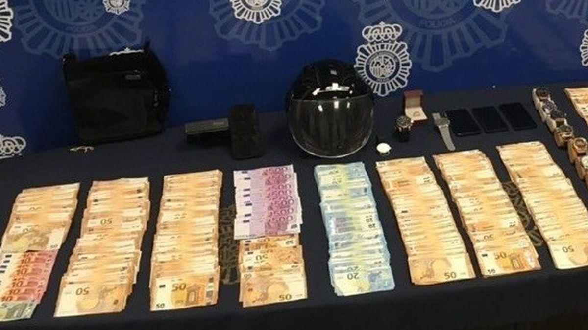 Roban 130.000 euros y uno de los ladrones se olvida el móvil en el lugar del crimen