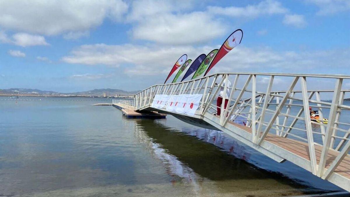 Cede la pasarela de La Manga durante la presentación del campeonato de España de Balonmano Playa
