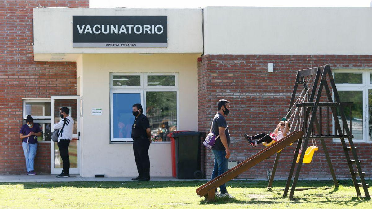 Argentina combinará la vacuna Sputnik V con Moderna y AstraZeneca para completar la inmunización