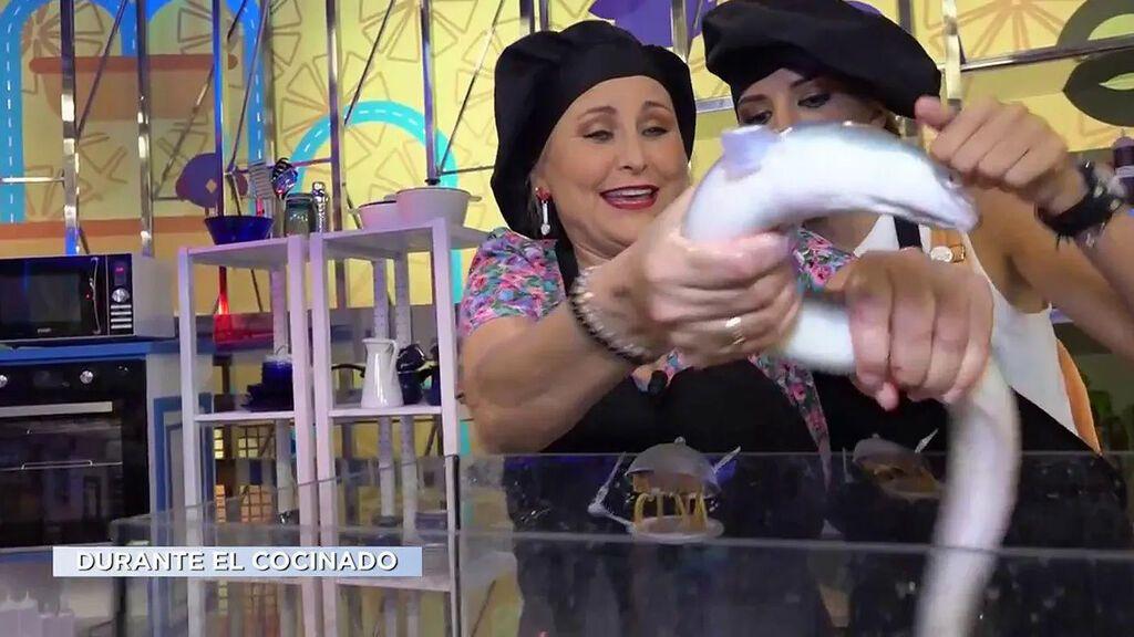 Alba Carrillo y Lucía Pariente se enfrentan a unas anguilas vivas La última cena Temporada 2 Programa 13