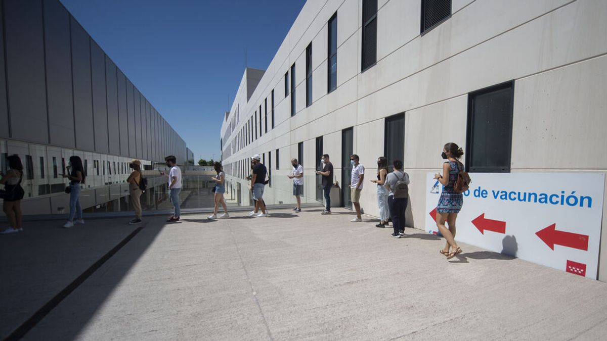 Madrid alerta de que para lograr la inmunidad de grupo hará falta vacunar al 90% de la población