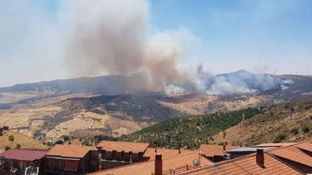 Sicilia declara un estado de emergencia de seis meses de duración por los incendios en la isla