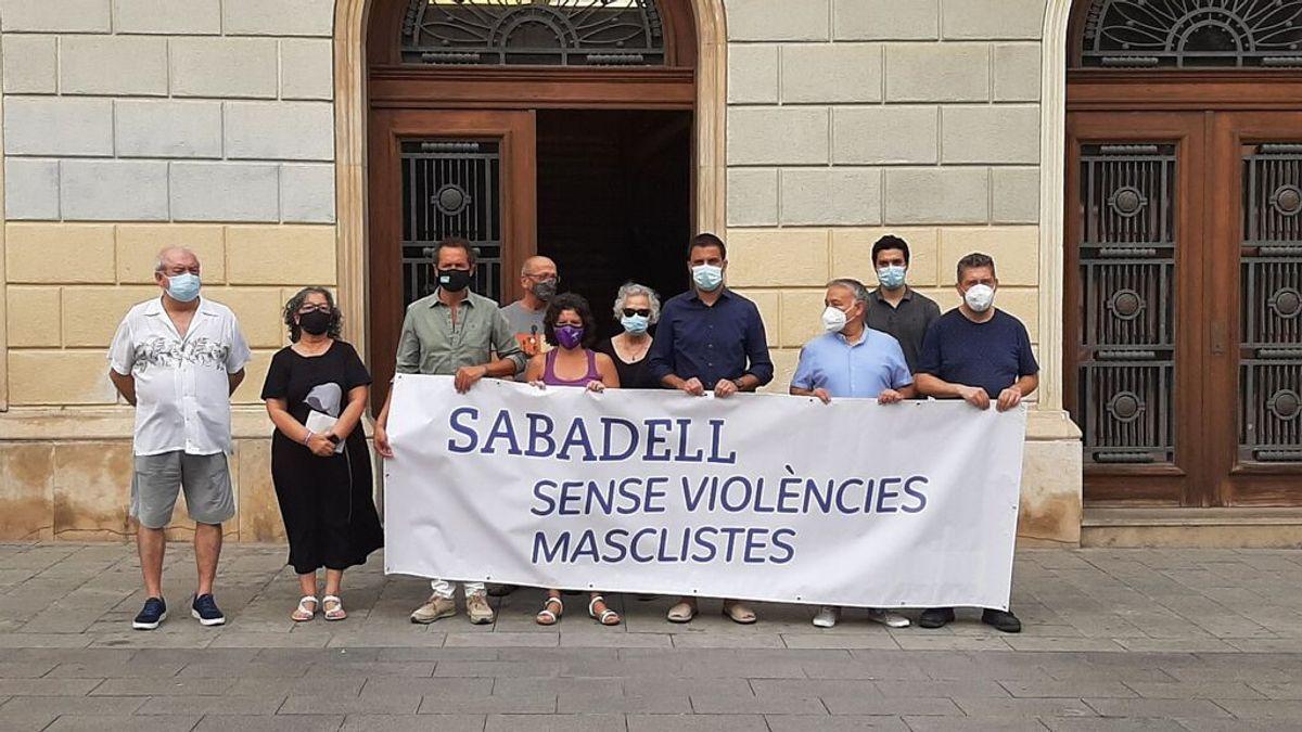 Sabadell guarda un minuto de silencio por la segunda víctima de violencia de género en menos de 15 días