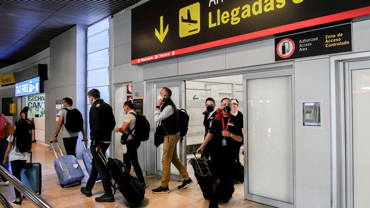 España prorroga la cuarentena obligatoria a los visitantes de Argentina, Brasil y otros cuatro países