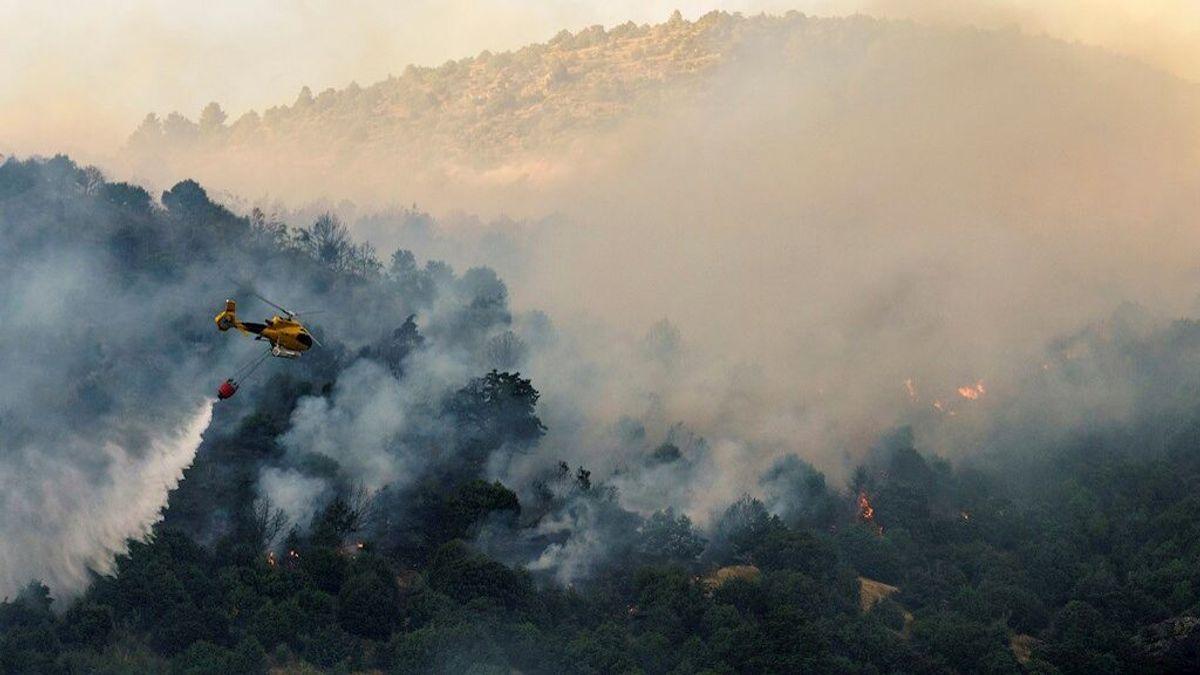 El incendio de El Tiemblo, en Ávila, sigue activo y ha arrasado ya 900 hectáreas