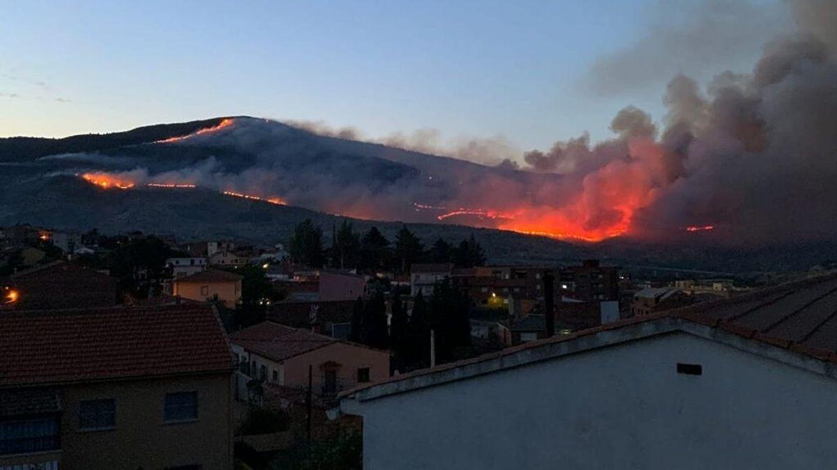 El incendio de El Tiemblo mantiene el nivel 2 de peligrosidad con varios puntos calientes y reproducciones