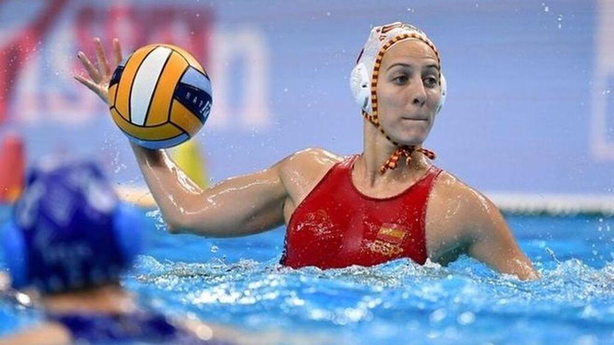 España logra la medalla de plata en waterpolo femenino traes caer ante una Estados Unidos invatible