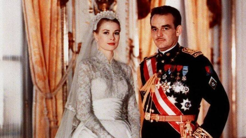 La boda se celebró en abril de 1956.