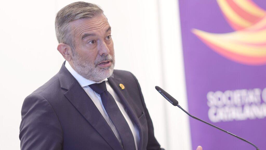"""La Comunidad de Madrid piensa en una tercera dosis y desoye la recomendación """"equivocada"""" de Fernando Simón"""