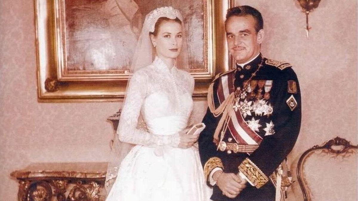 Cuello alto, una cola de diez metros, perlas y una gorra Julieta: todos los detalles del impresionante e inspirador vestido de novia de Grace Kelly