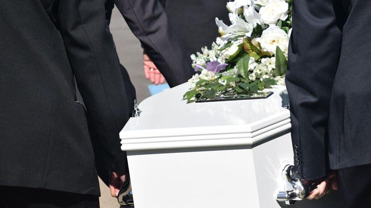 Deshereda a su familia para dejar toda su riqueza a su amante: la mujer recibió más de un billón de euros