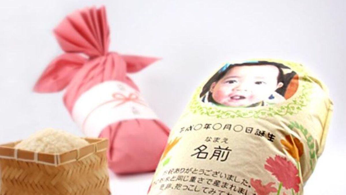 """Los 'bebés de arroz' japoneses, una forma de """"abrazar"""" a los recién nacidos en pandemia"""