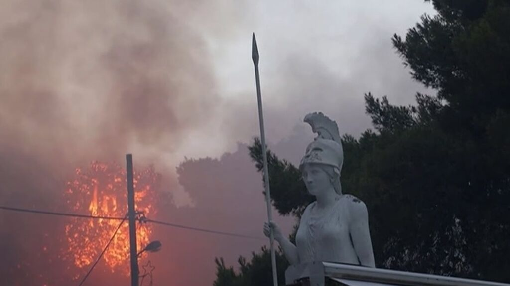 Los incendios forestales arrasan 56.000 hectáreas en Grecia, la mayor catástrofe ambiental del país