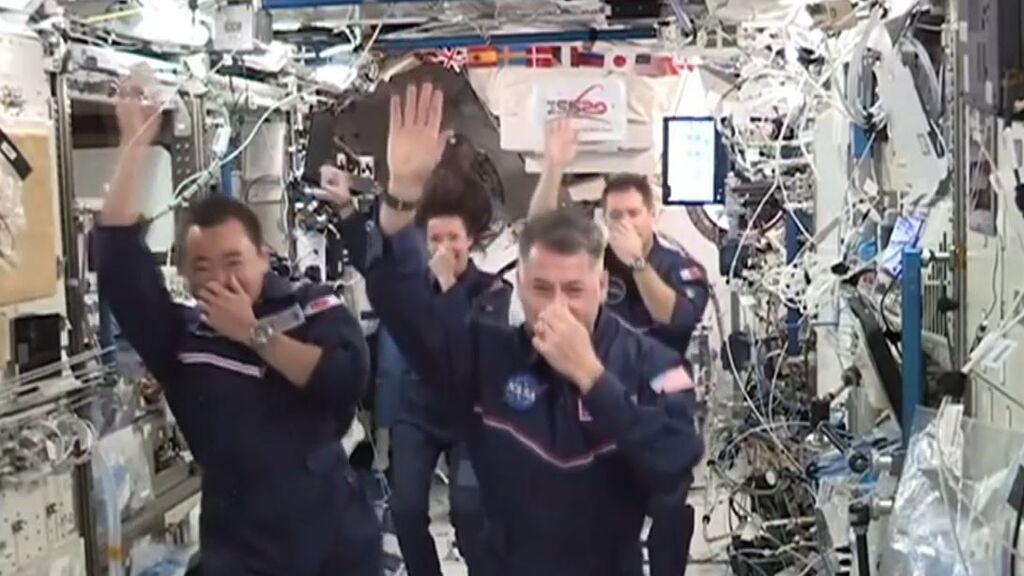 Los astronautas celebran los Juegos Olímpicos Espaciales a 400 kilómetros de la Tierra y sin gravedad