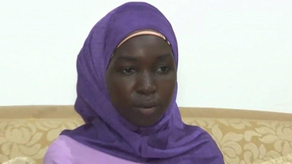 Regresa con su familia una de las 276 niñas nigerianas secuestradas por Boko Haram hace siete años