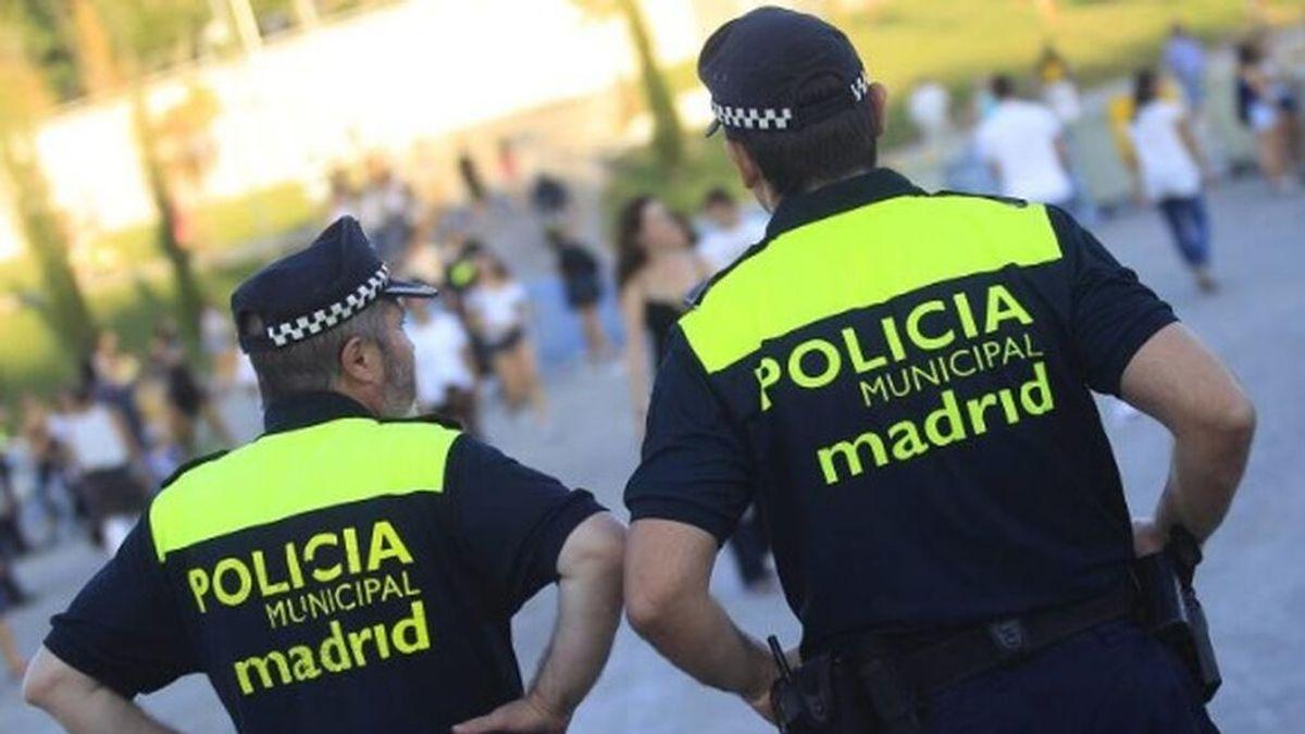 Localizan a dos niños de 2 y 4 años deambulando solos de madrugada en Madrid