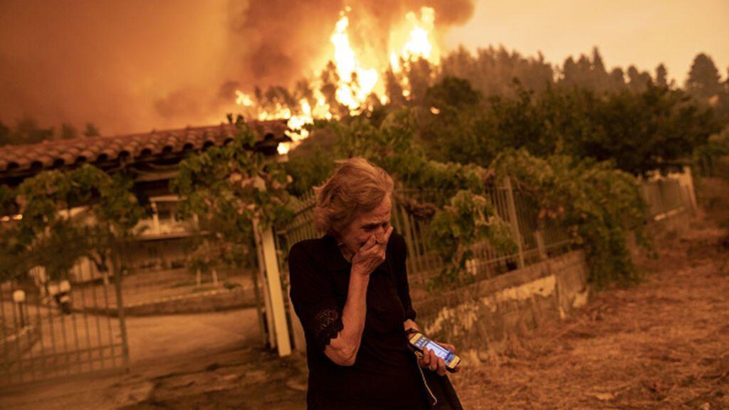 La isla de Eubea, en Grecia, arrasada por las llamas tras una semana ardiendo