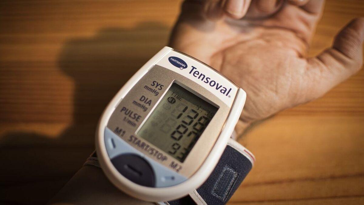 """Cuidado si tomas medicación para la hipertensión: Sanidad retira varios fármacos por """"impurezas"""""""