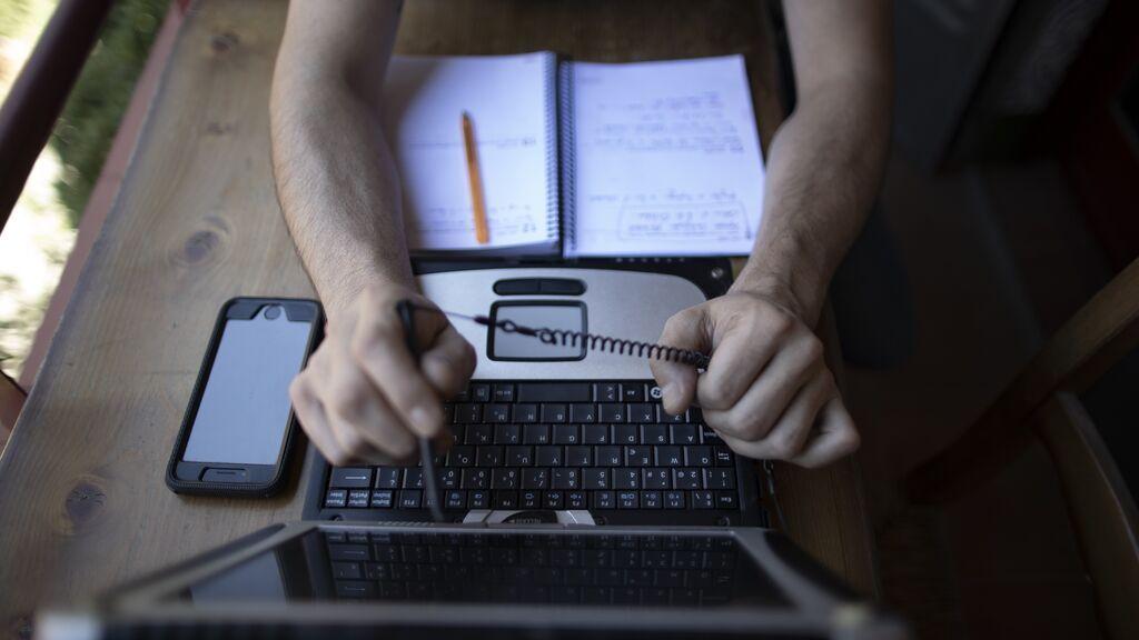 Las ofertas de empleo con teletrabajo se triplican en España por la pandemia, según Adecco