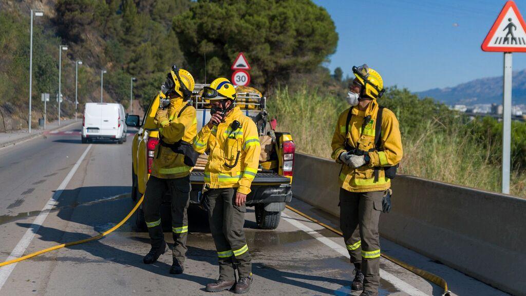 EuropaPress_3841670_dotaciones_bomberos_trabajan_inmediaciones_poligono_congost_martorell_donde