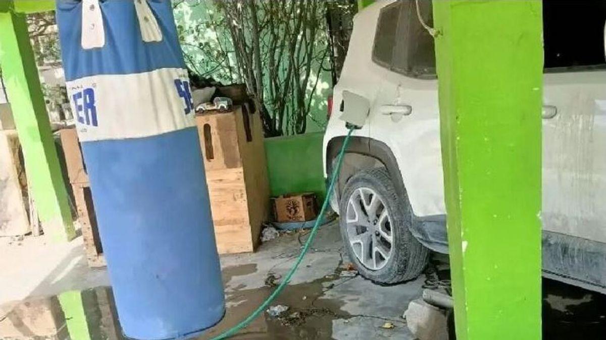 Una mujer maltratada se venga de su ex llenándole de agua el depósito de gasolina de su coche