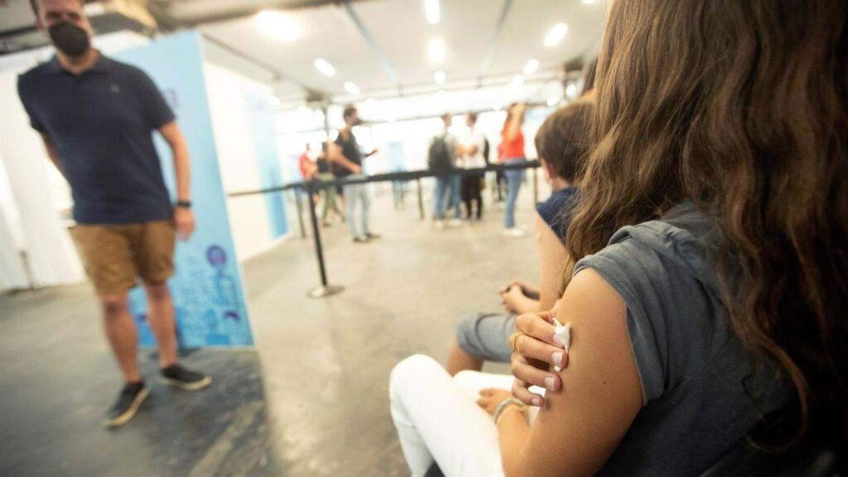 Cataluña cambia la estrategia de vacunación para los que han pasado la covid: podrán vacunarse a los dos meses