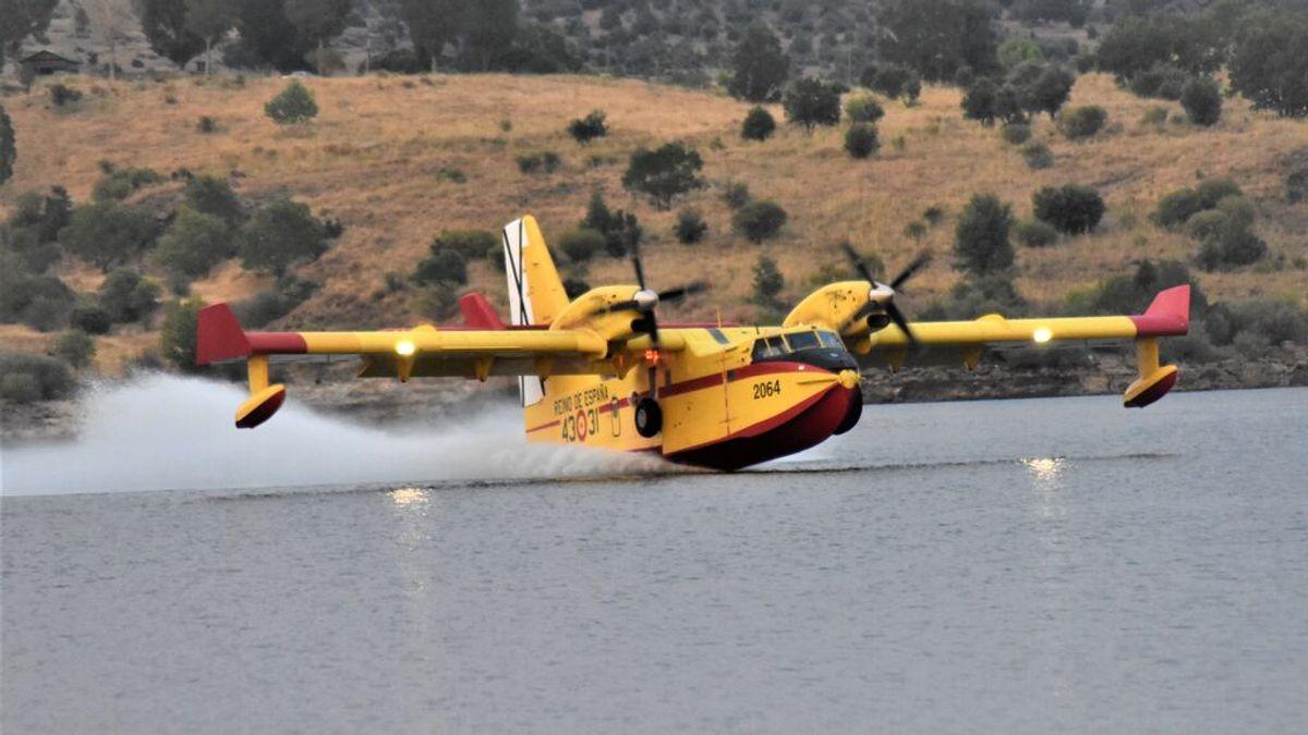 Así es el dispositivo de extinción de incendios forestales en España: helicópteros, aviones y mucha fuerza terrestre