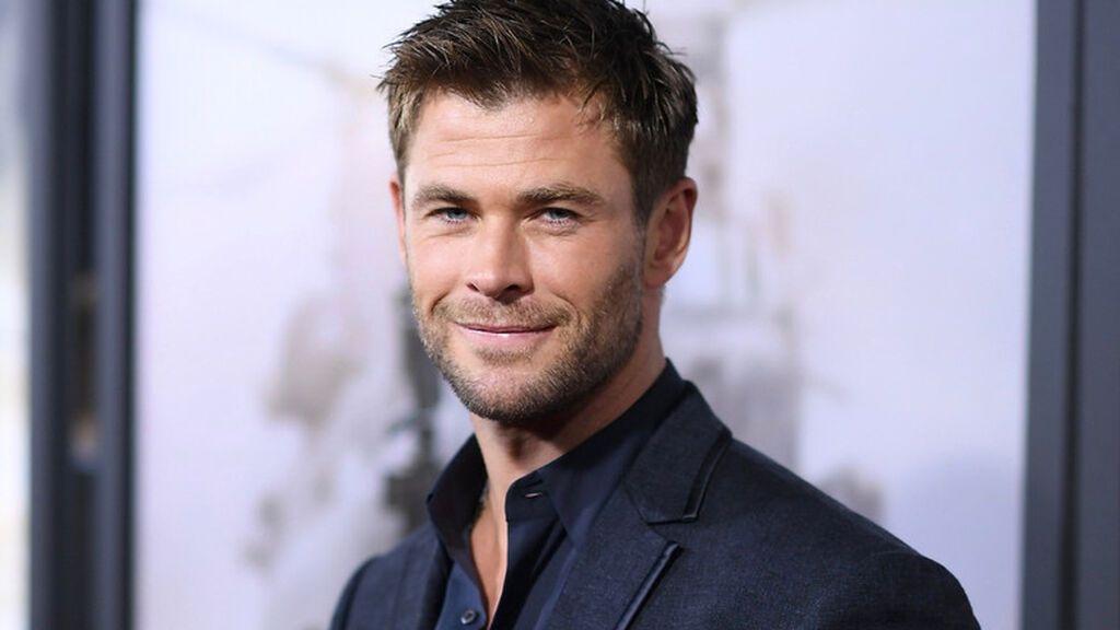 Chris apareció en televisión en el año 2002.
