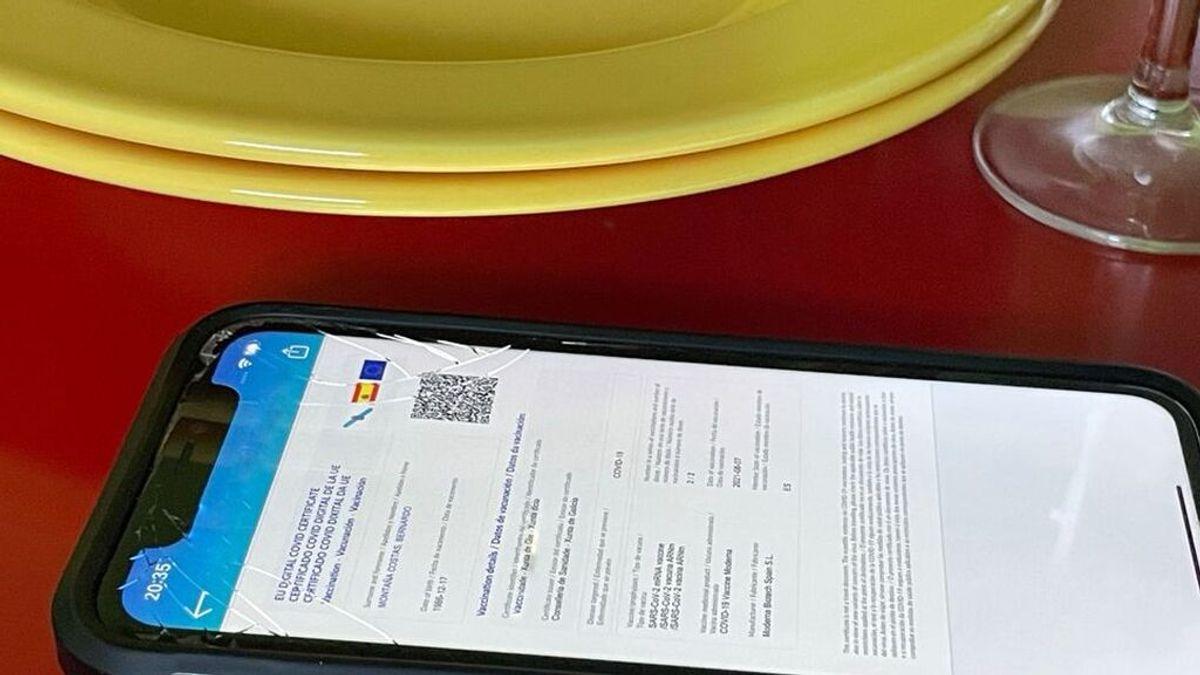 Certificado covid en un teléfono móvil