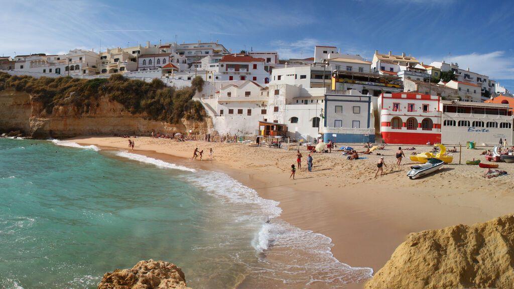 Playa de Carvoeiro, en el Algarve.