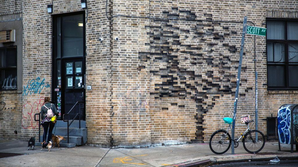 Obra 'Fossil' del artista español Pejac en Brooklyn, Nueva York