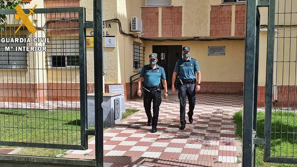 Una mujer no llega al hospital y da a luz en la carretera con ayuda de la Guardia Civil en Extremadura
