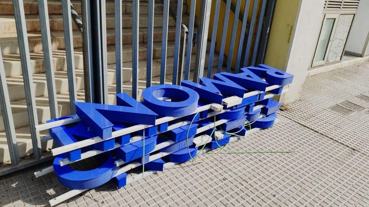 El Carranza por los suelos: retirado el nombre del estadio del Cádiz para sustituirlo por el de `Nuevo Mirandilla´