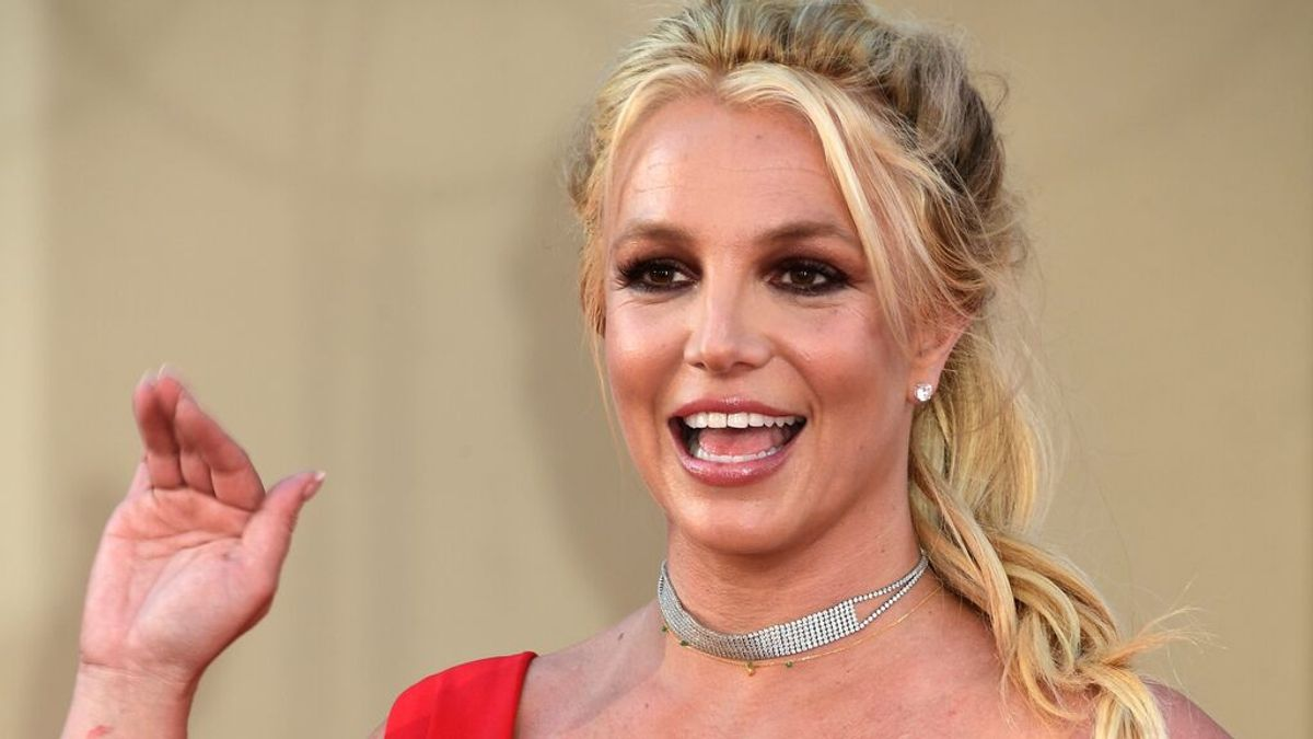 El padre de Britney Spears renuncia a la tutela de la cantante después de 13 años y una batalla legal