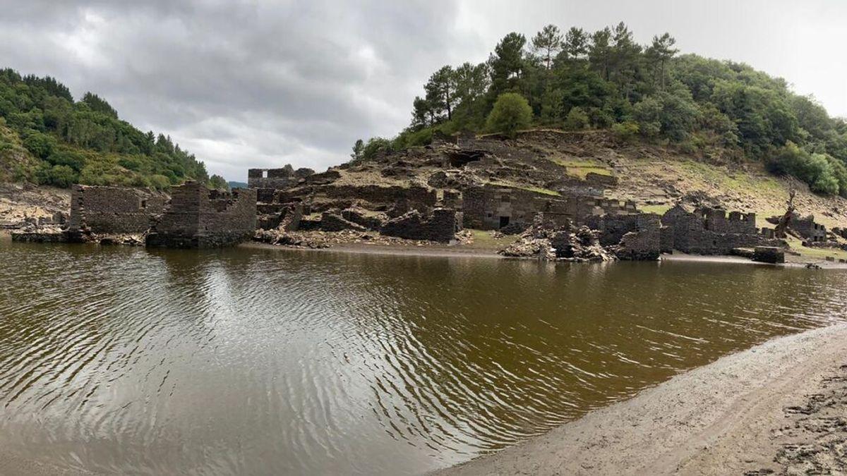 Los restos del Portomarín primitivo son visibles en esta época del año