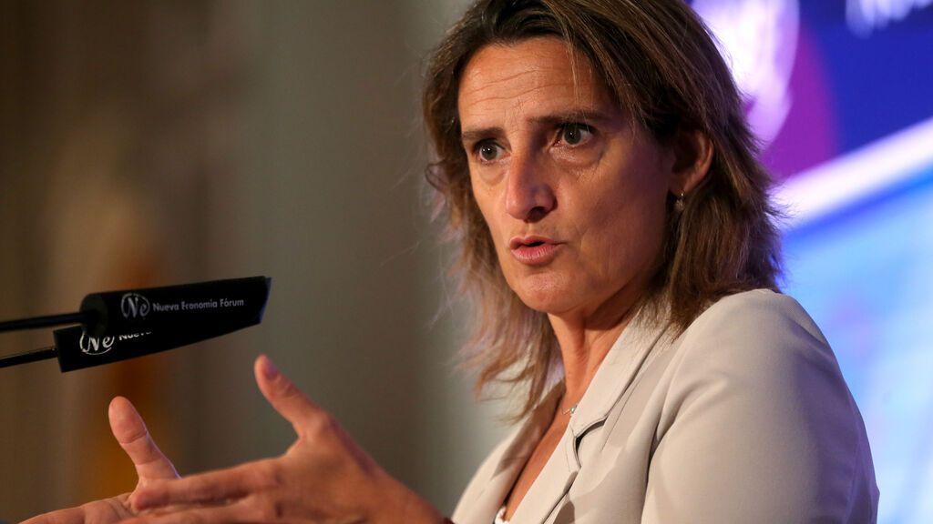 """Ribera acusa a Podemos de crear falsas expectativas con la idea de controlar el precio de la luz """"por decreto"""""""