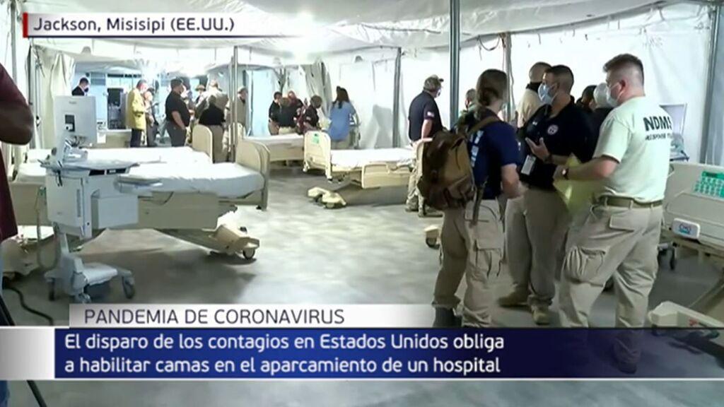 Habilitan decenas de camas en el parking de un hospital ante la escalada de casos de coronavirus