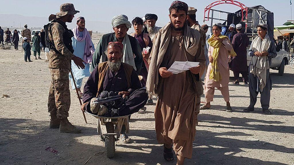 """Canadá muestra """"su preocupación"""" por la situación en Afganistán y espera acoger a 20.000 refugiados"""