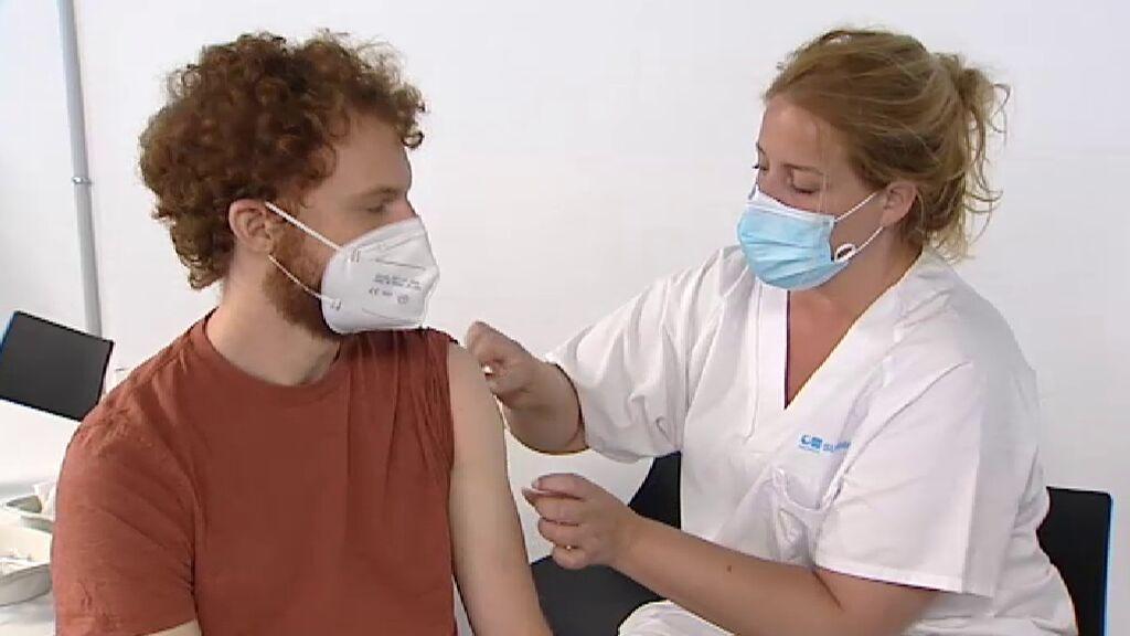 Descienden los indicadores principales de la pandemia en España