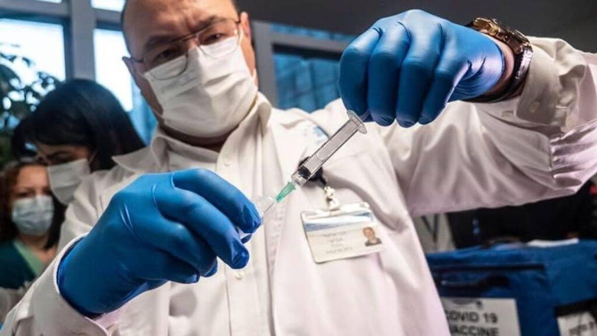 La tercera dosis de la vacuna covid aumenta los anticuerpos más de un 40%, apunta un estudio en Israel